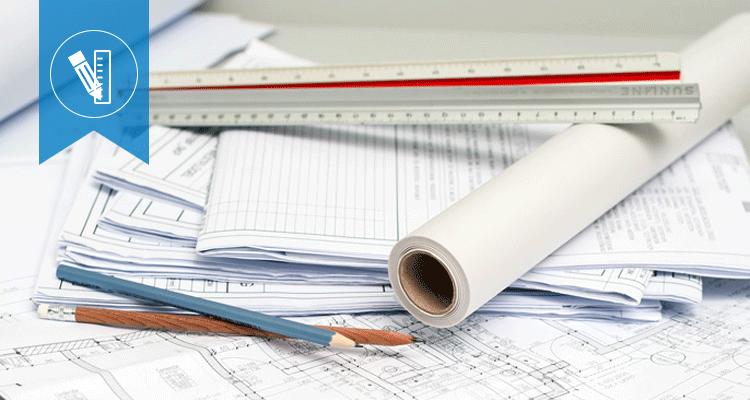 Mehre Baupläne, Lineal und Bleistifte übereinander stellvertretend für Großprojekte, die CONVIS plant und überwacht.